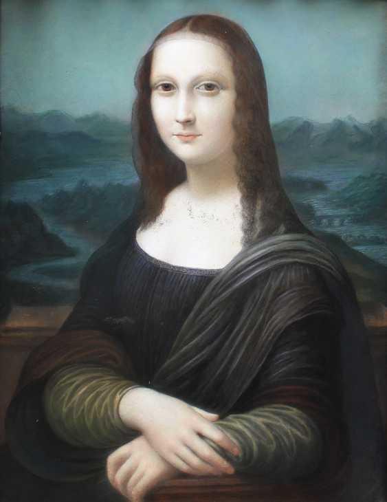 Leonardo da Vinci (1452-1519)-after, The Mona Lisa, pastel on paper, under glass - photo 2