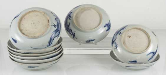 Nine blue-and-white porcelain plate with dragon decor - photo 2