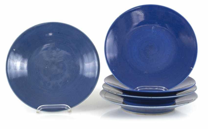 Five powder blue-glazed porcelain plate - photo 1