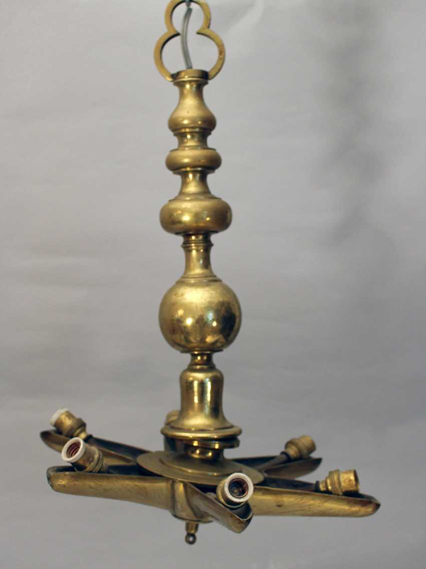 A Jewish Shabbat lamp, bronze cast gilded, turned shape, with a six pointed star and with later electrical fitting - photo 3