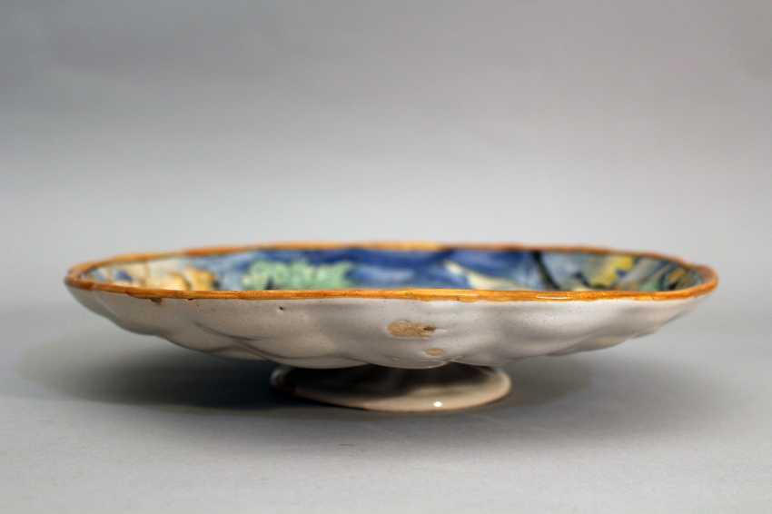 Urbino ceramic dish on integrated central bowed foot - photo 2