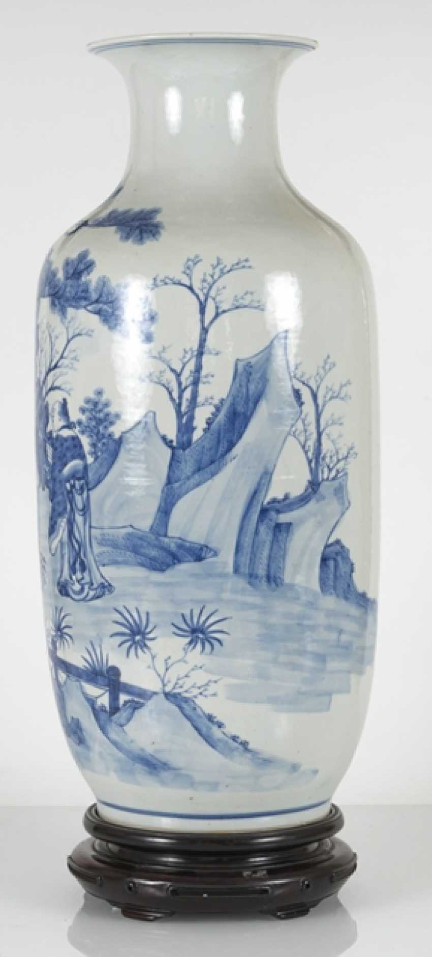 Under glaze blue decorated floor vase made of porcelain with a depiction of Su Shi and Qin Guan - photo 3