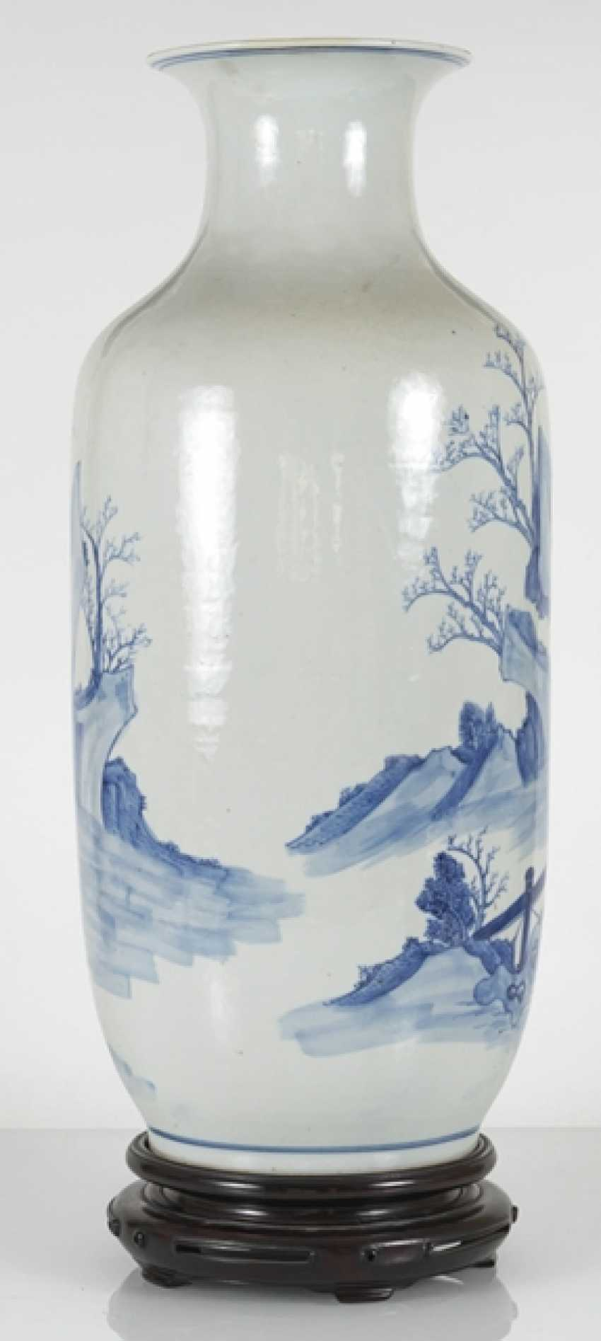 Under glaze blue decorated floor vase made of porcelain with a depiction of Su Shi and Qin Guan - photo 4