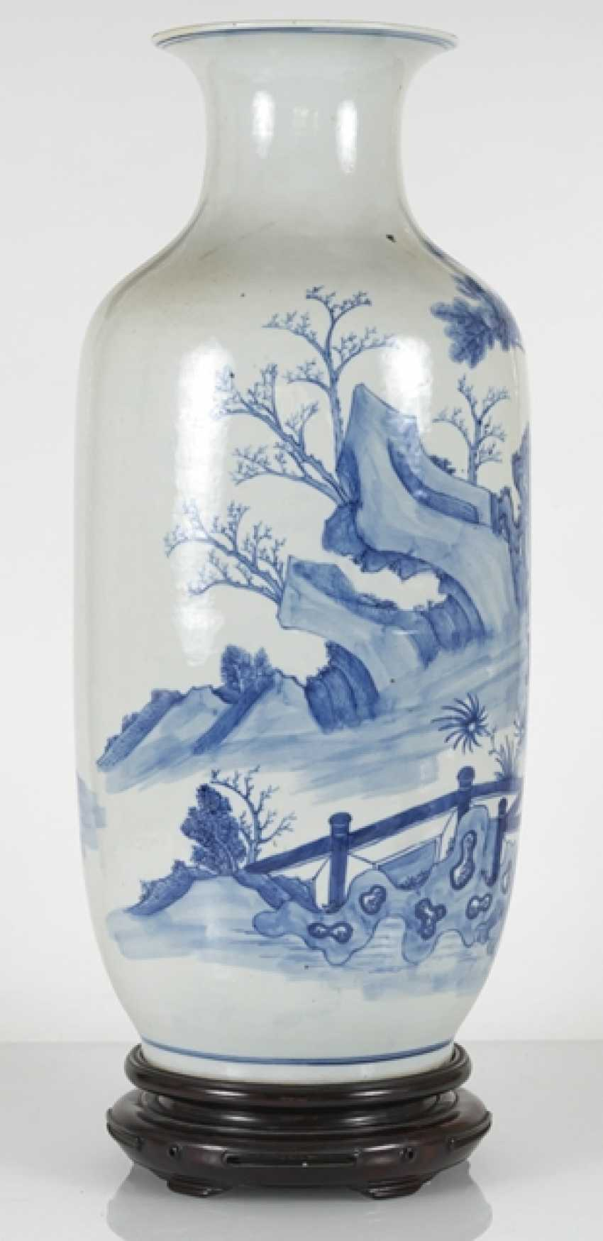 Under glaze blue decorated floor vase made of porcelain with a depiction of Su Shi and Qin Guan - photo 5