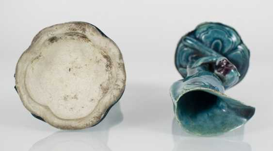Pair of turquoise and purple glazed vase made of Biscuit porcelain with monkeys on the leaf goblets - photo 3