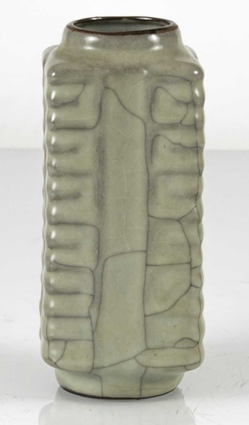 Small 'Cong'-shaped Vase with celadon glaze - photo 2