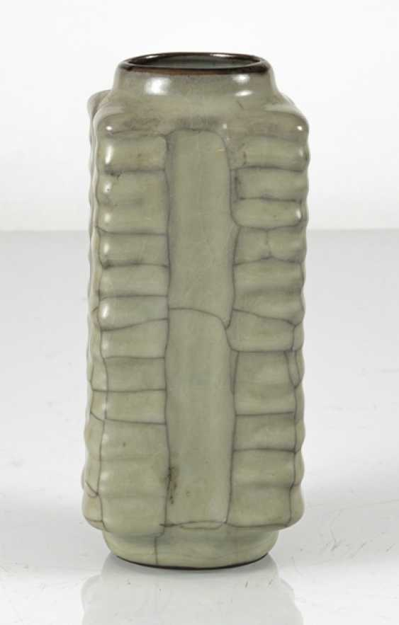 Small 'Cong'-shaped Vase with celadon glaze - photo 3