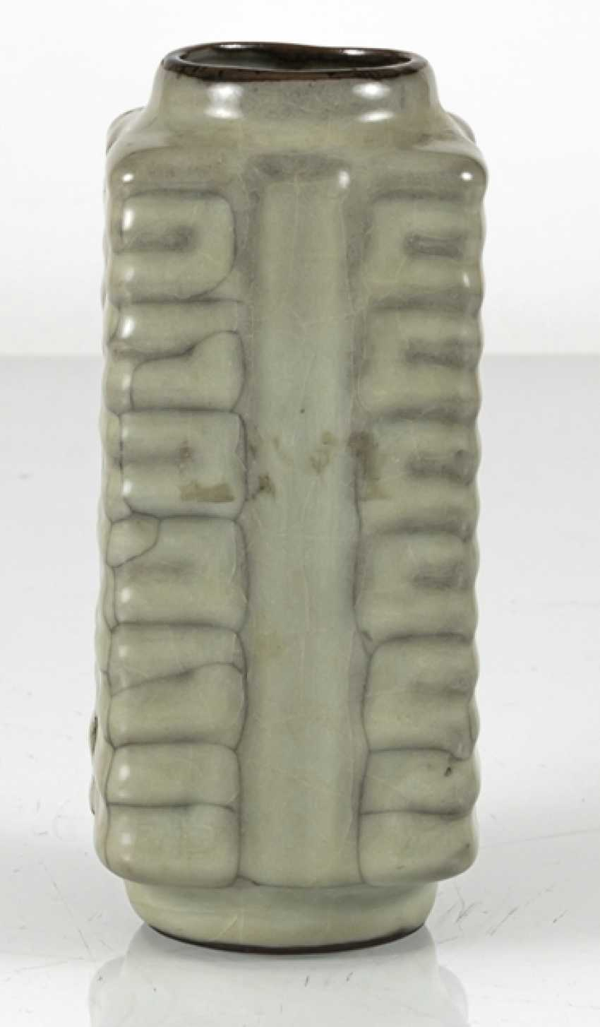 Small 'Cong'-shaped Vase with celadon glaze - photo 4