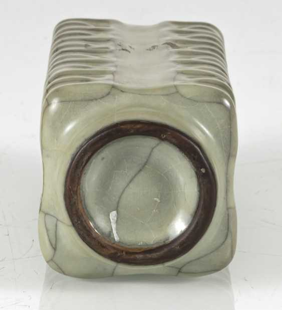 Small 'Cong'-shaped Vase with celadon glaze - photo 5