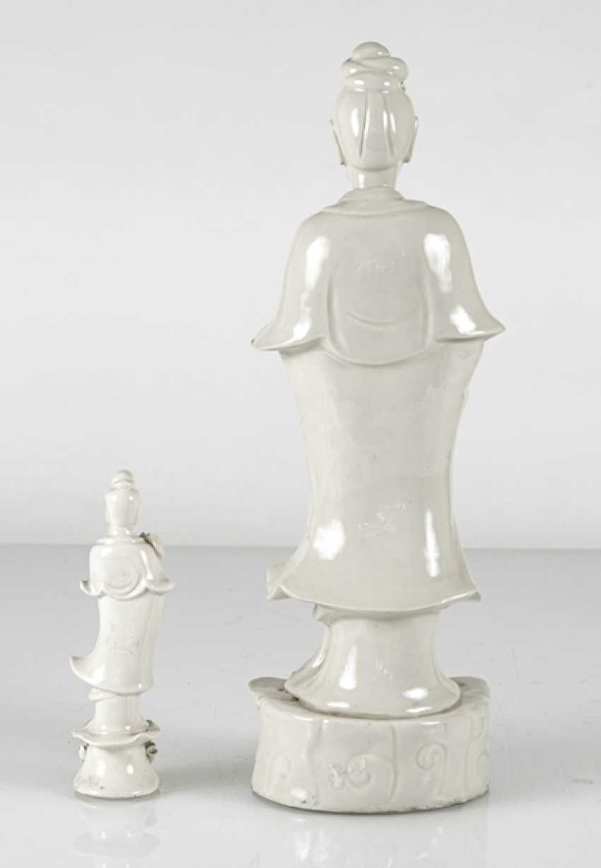 Two standing Guanyin from Dehua Ware - photo 3