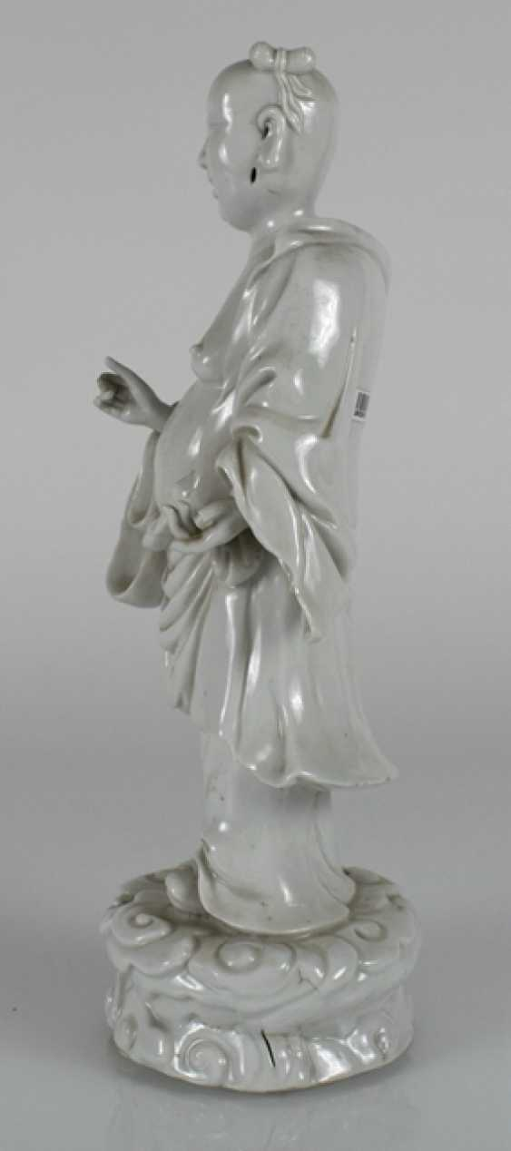 Dehua figure of Budai on a wave plinth standing - photo 3