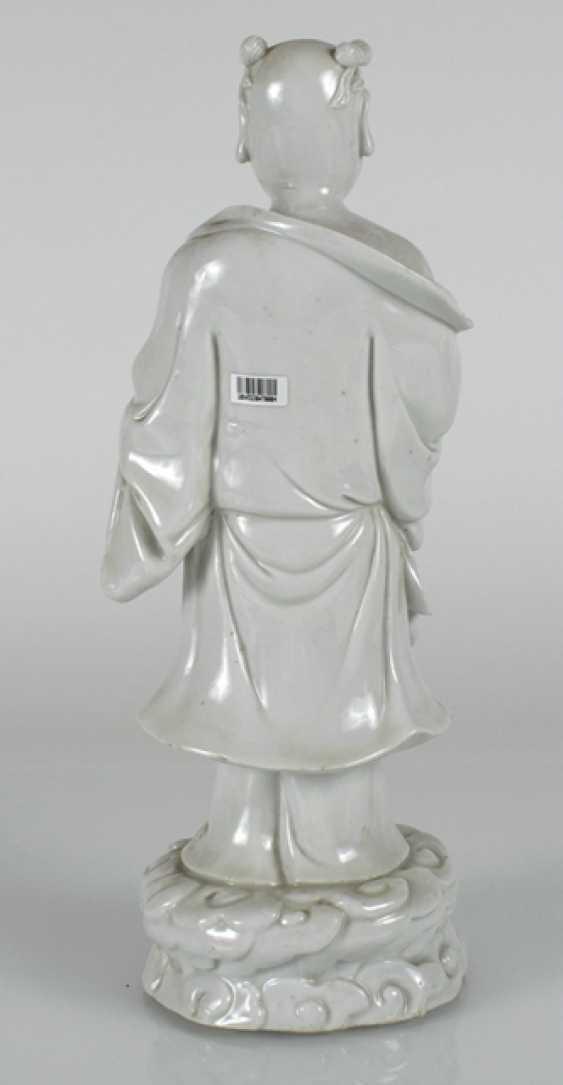 Dehua figure of Budai on a wave plinth standing - photo 4
