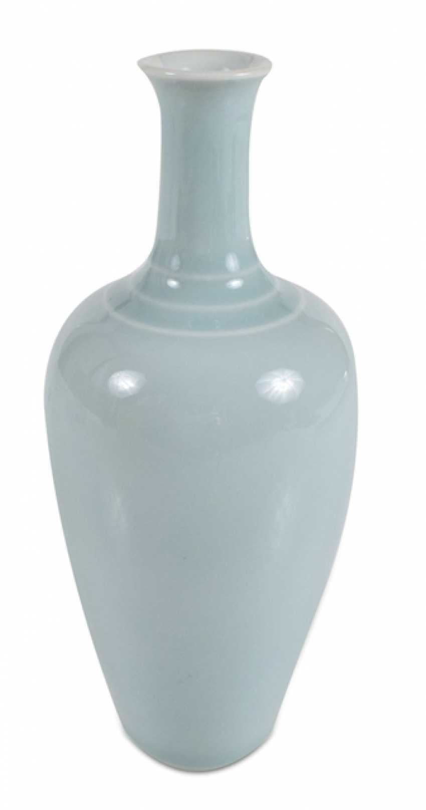 Small porcelain vase with pale blue glaze, laifuzun - photo 1