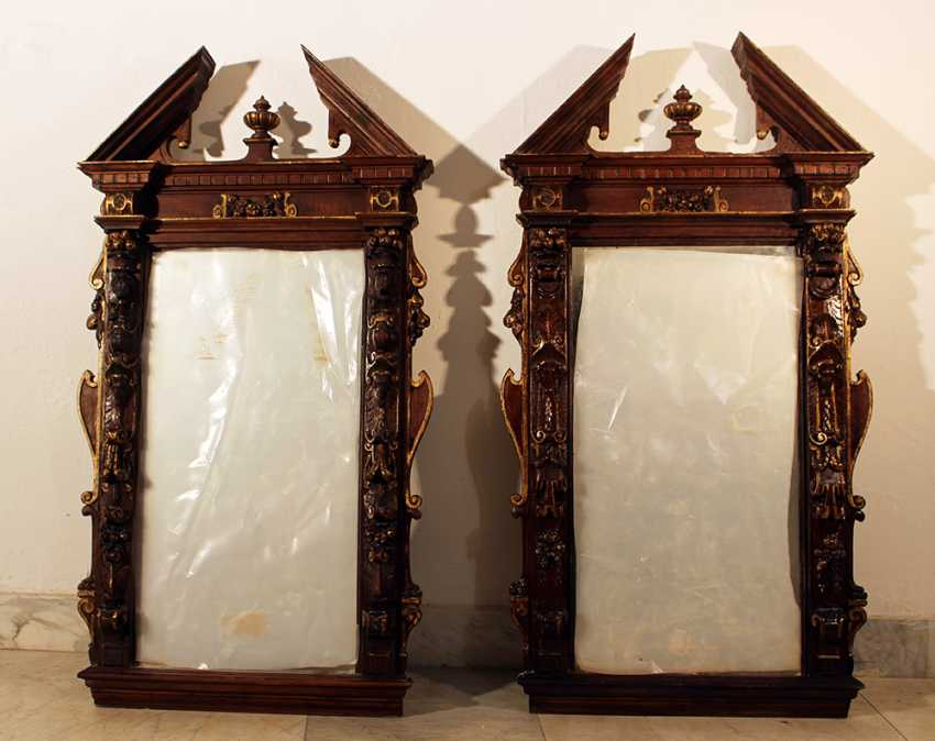 Pair of French mirrors in manieristic manner with roof top and rich figural and ornamental carvings on all sides, partly gilded - photo 2