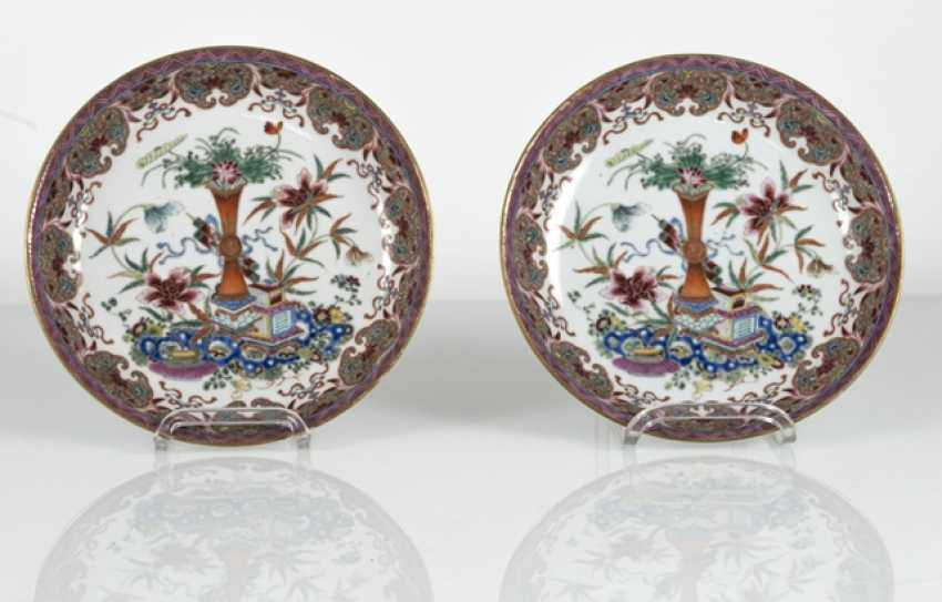 Pair of 'Famille rose'dish made of porcelain with flowers and antique decor - photo 2