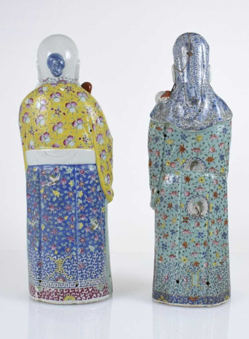 Two 'Famille rose'porcelain figures - photo 2
