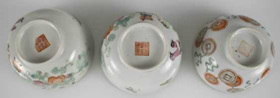 Porzellanteller to dre, to dre Schalen und eine Teekanne, u. a. the mit Imo-of their personality - photo 2