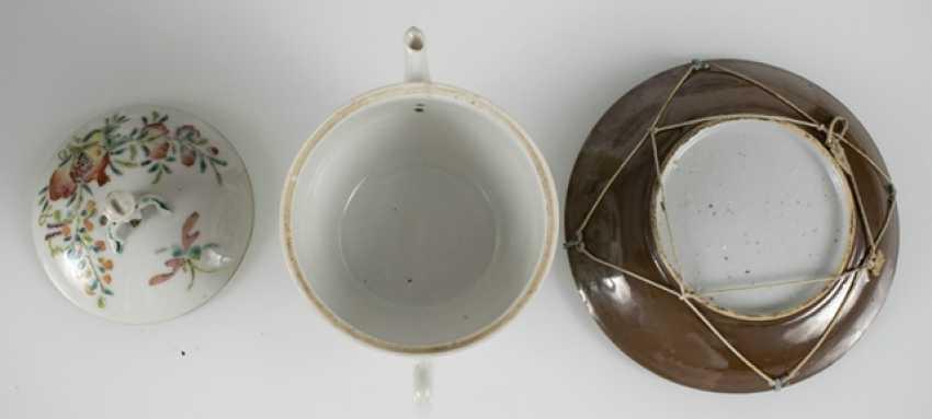 Porzellanteller to dre, to dre Schalen und eine Teekanne, u. a. the mit Imo-of their personality - photo 3
