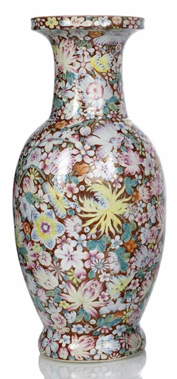 Great 'Mille Fleur'Vase made of porcelain - photo 1