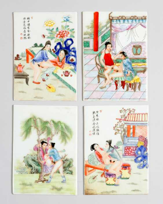 Four erotic Chinese porcelain plaques, coloured painted scenes partly with black script signs, on white ground, glazed - photo 2
