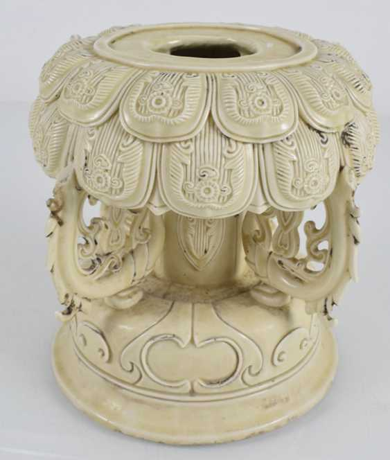 Lotus base made of porcelain - photo 2