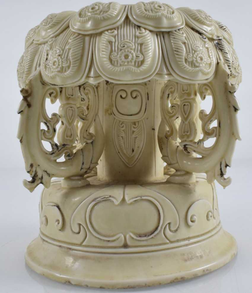 Lotus base made of porcelain - photo 4