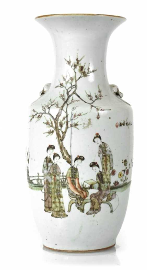 Porcelain vase with decoration of ladies in garden - photo 1
