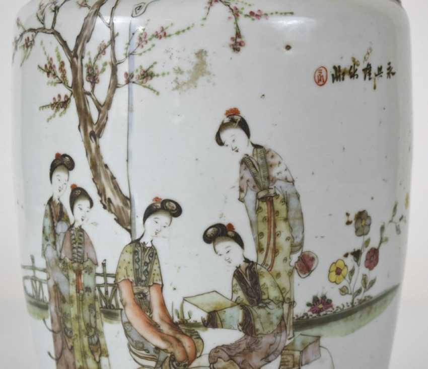 Porcelain vase with decoration of ladies in garden - photo 6