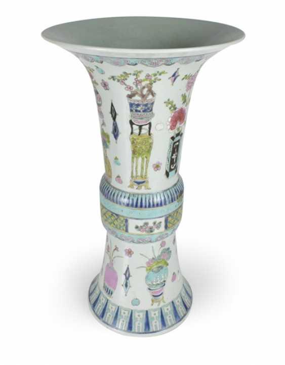 Gu-shaped Vase made of porcelain with antique decor - photo 1