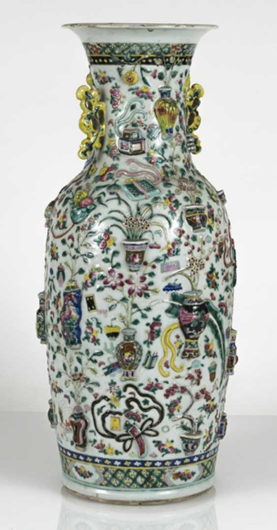 Floor vase made of porcelain with antique décor in Relief - photo 3