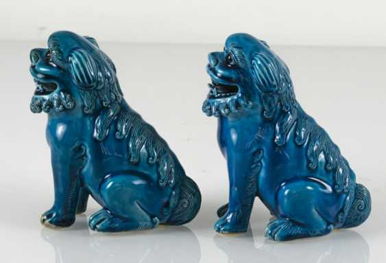 Pair of turquoise glazed lion from biscuit porcelain - photo 4