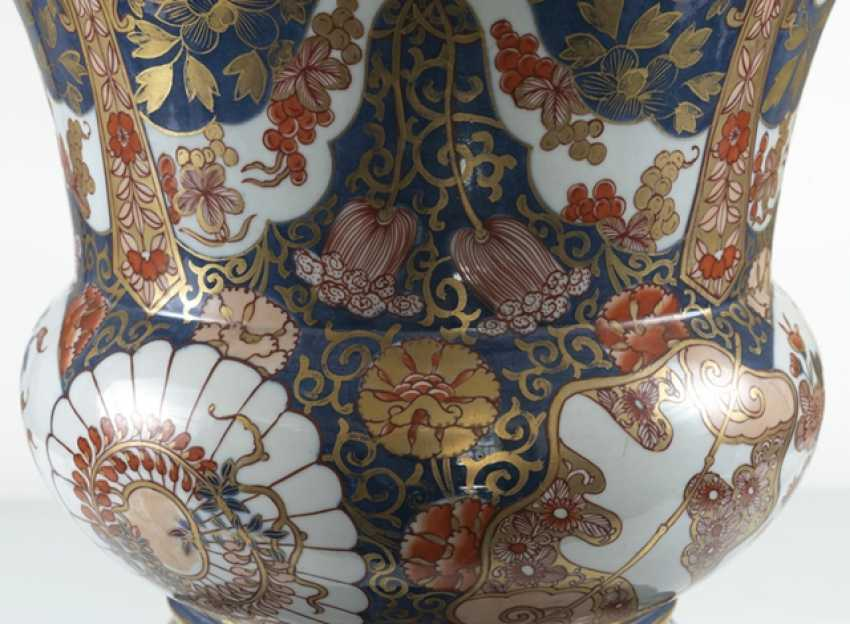 Large porcelain spittoon made of porcelain with Imari decor - photo 2