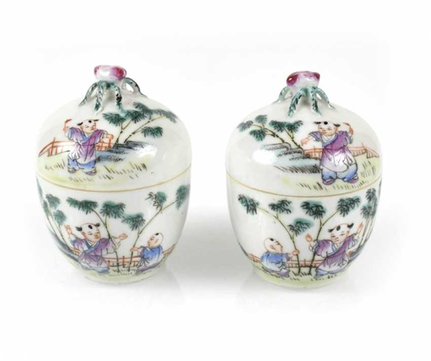 Pair of small porcelain Cover jars with boys ' decor, and peach-have Hand - photo 1