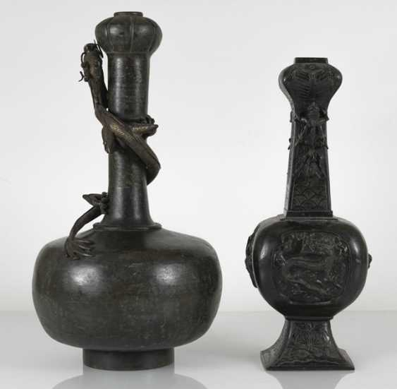 Two bronze vases with dragons in Relief - photo 2