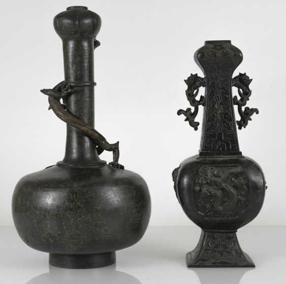 Two bronze vases with dragons in Relief - photo 3