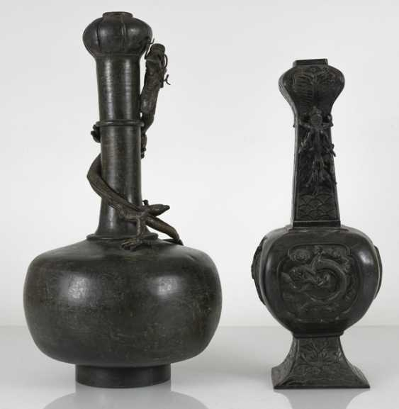 Two bronze vases with dragons in Relief - photo 4