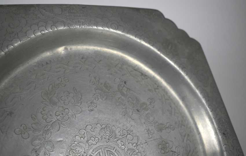 Group of seven trays made of metal, such as Tin, brass or Paktong, an engraved - photo 2