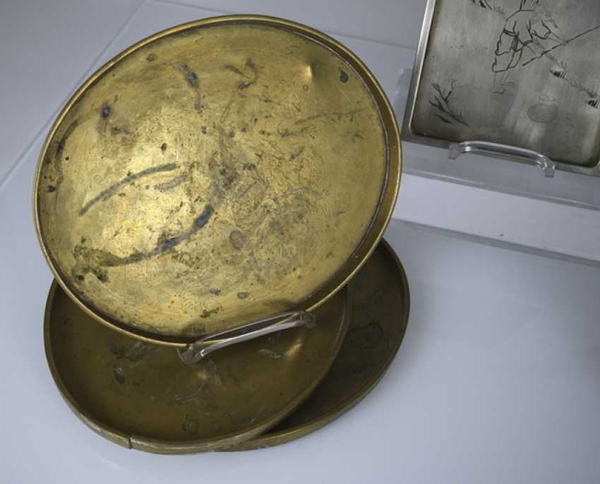 Group of seven trays made of metal, such as Tin, brass or Paktong, an engraved - photo 5