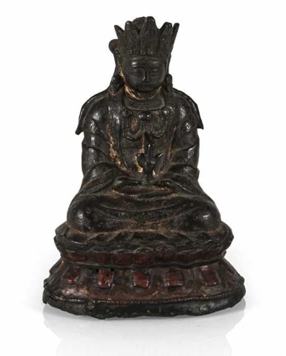 Bronze of Guanyin - photo 1