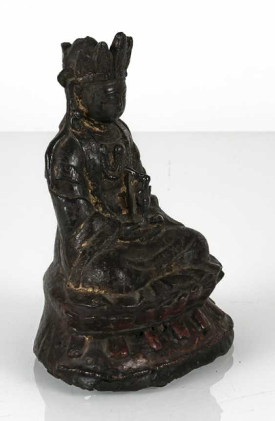 Bronze of Guanyin - photo 2