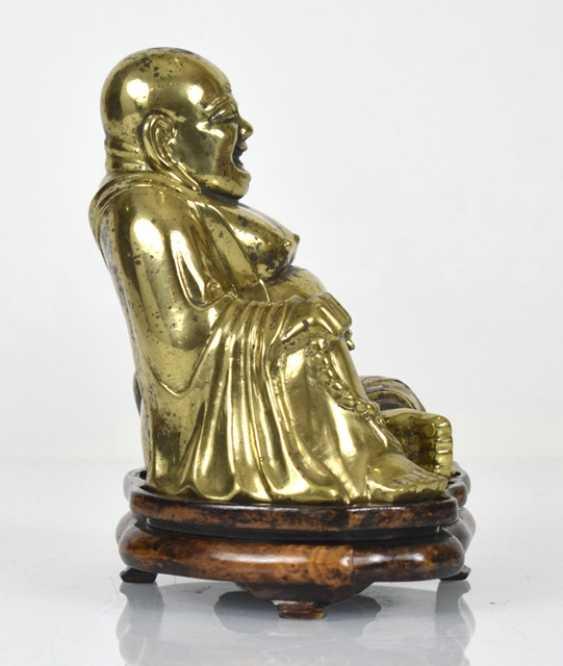Bronze figure of the seated Budai - photo 4