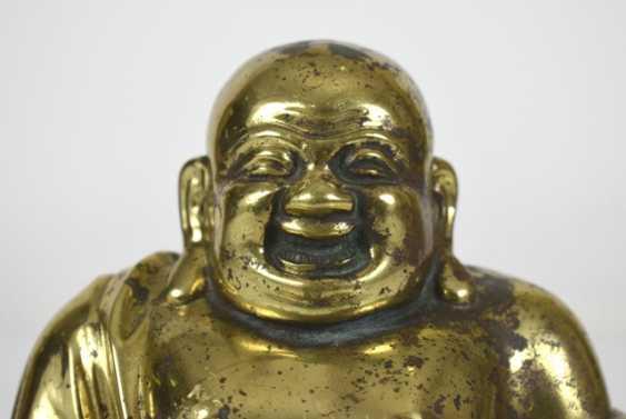 Bronze figure of the seated Budai - photo 6