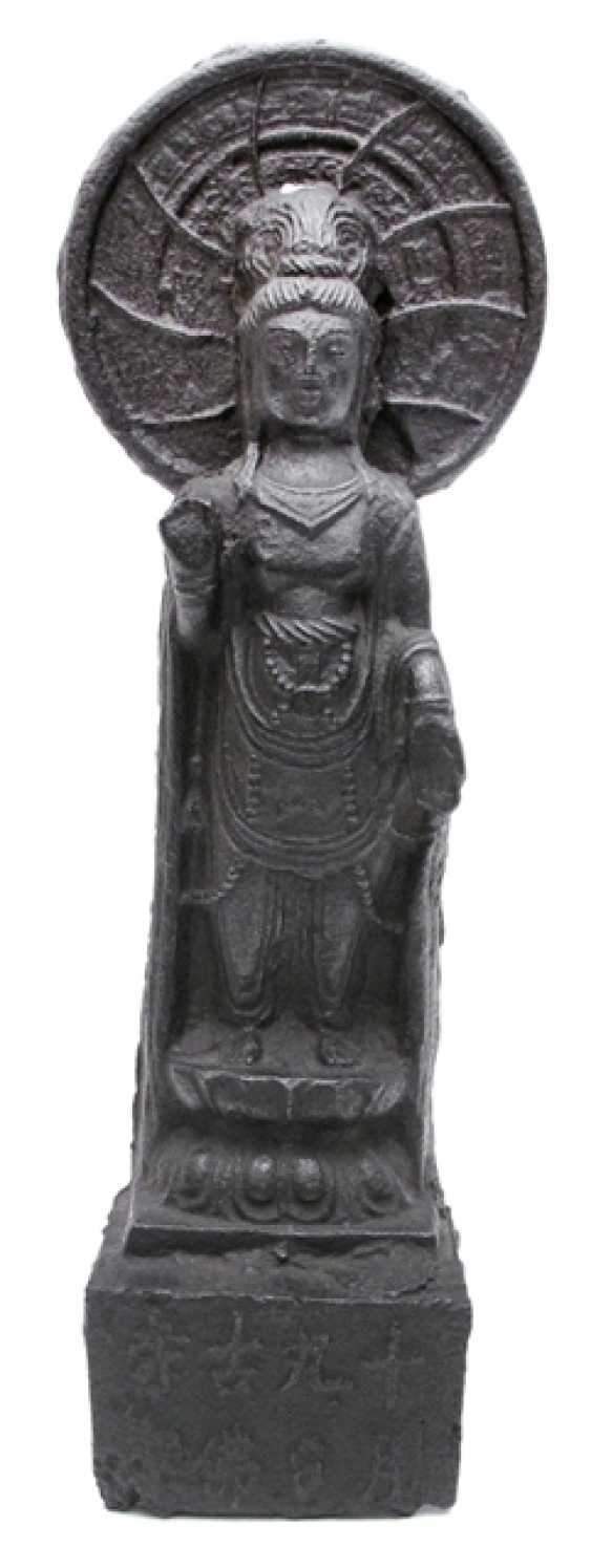 Cast iron figure of a standing Guanyin - photo 1