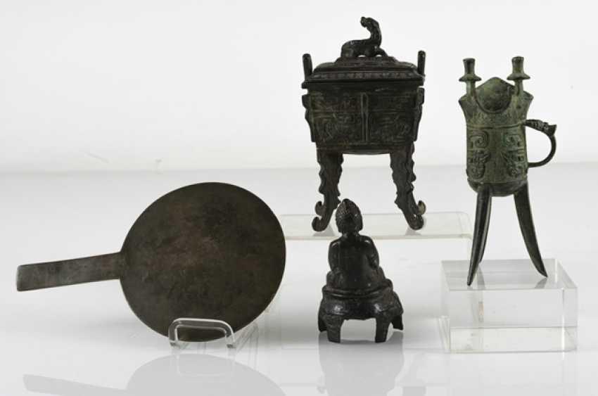 Hand mirror, Jue, incense burners and Buddha made of Bronze - photo 3