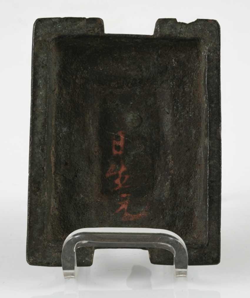 Hand mirror, Jue, incense burners and Buddha made of Bronze - photo 7