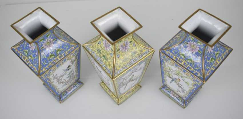 Three Canton enamel lid cans and three vases of square cross-section - photo 4