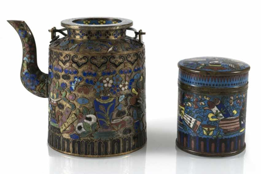 Teapot and Cloisonné cover box with decor of Antiques - photo 1