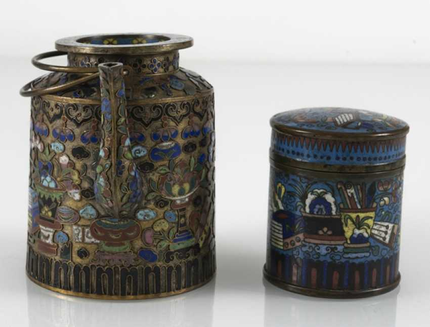 Teapot and Cloisonné cover box with decor of Antiques - photo 2