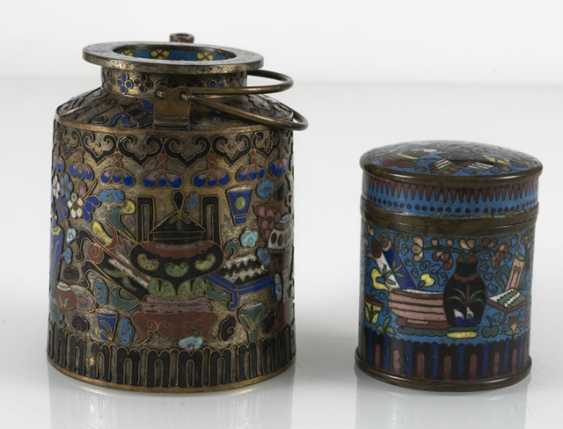 Teapot and Cloisonné cover box with decor of Antiques - photo 4