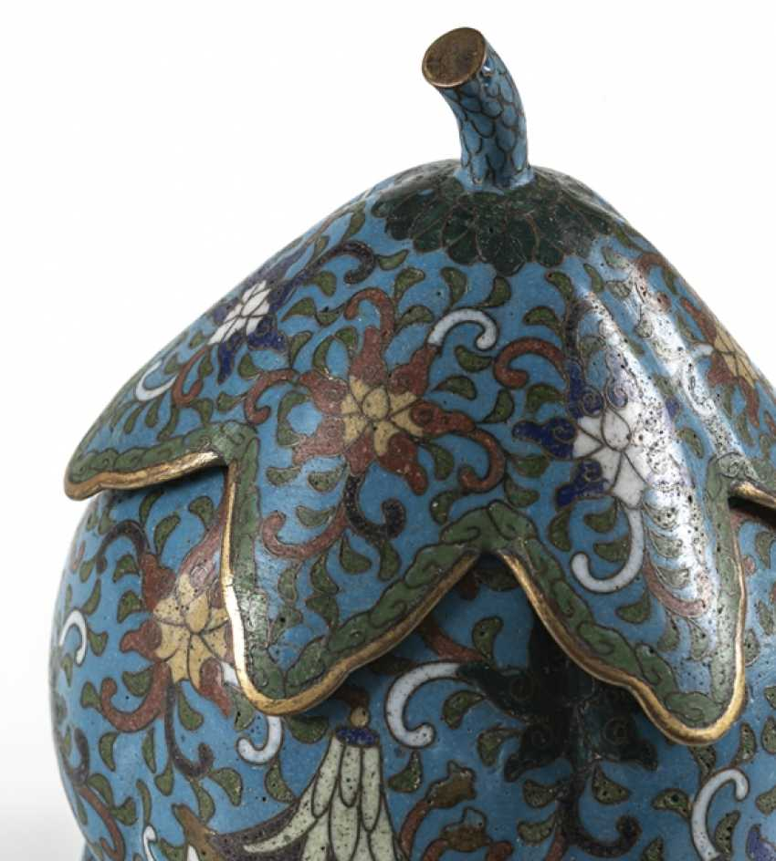 Three-legged Cloisonné lidded box with leaf shaped lid - photo 4
